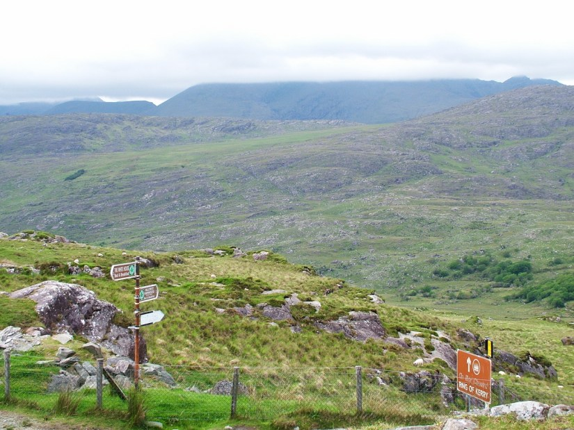 ring of kerry road sign, killarney national park, ireland