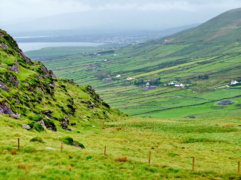 waterville on ballinskellig's bay, ring of kerry, ireland