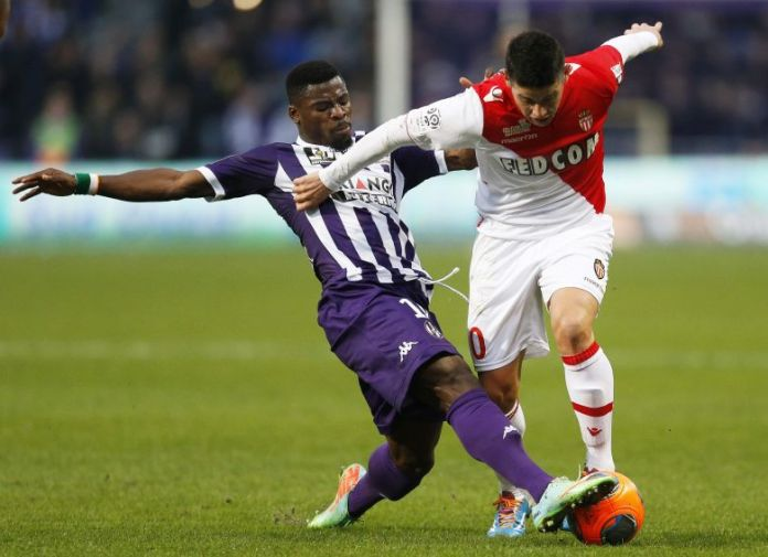 Serge Aurier (left), in the jersey of Toulouse in 2014. / © MaxPPP