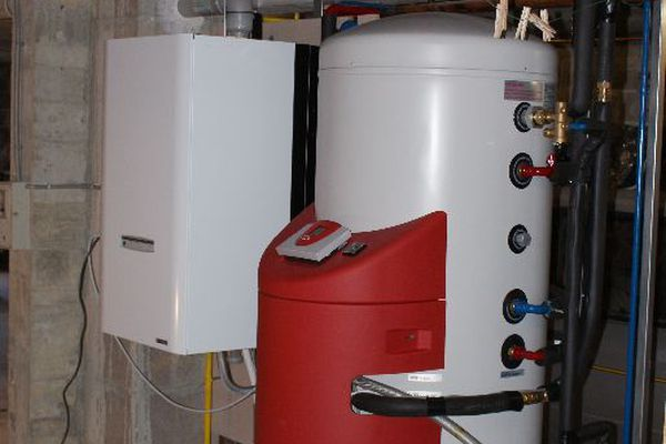 This boiler includes in particular copper, steel and PVC, materials in strong increase