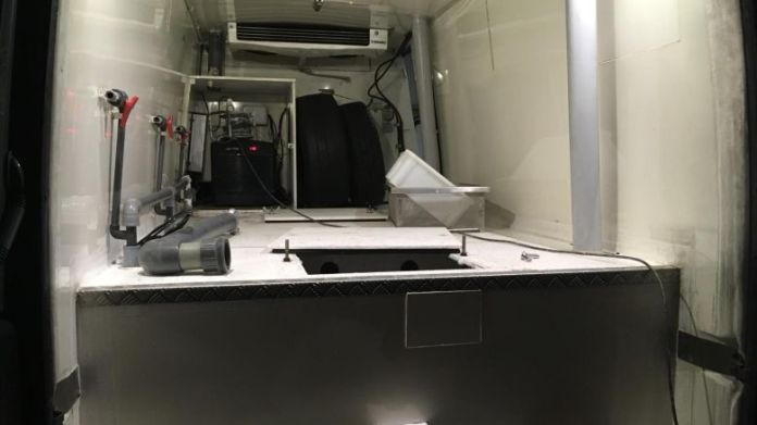 The van equipped for transporting live elvers. / © French Customs
