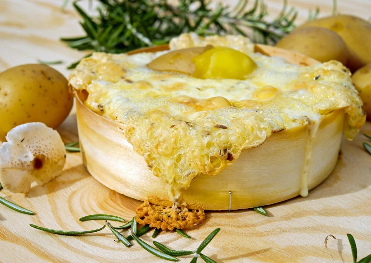 心も体もとろける!冬に食べたいチーズ料理5選