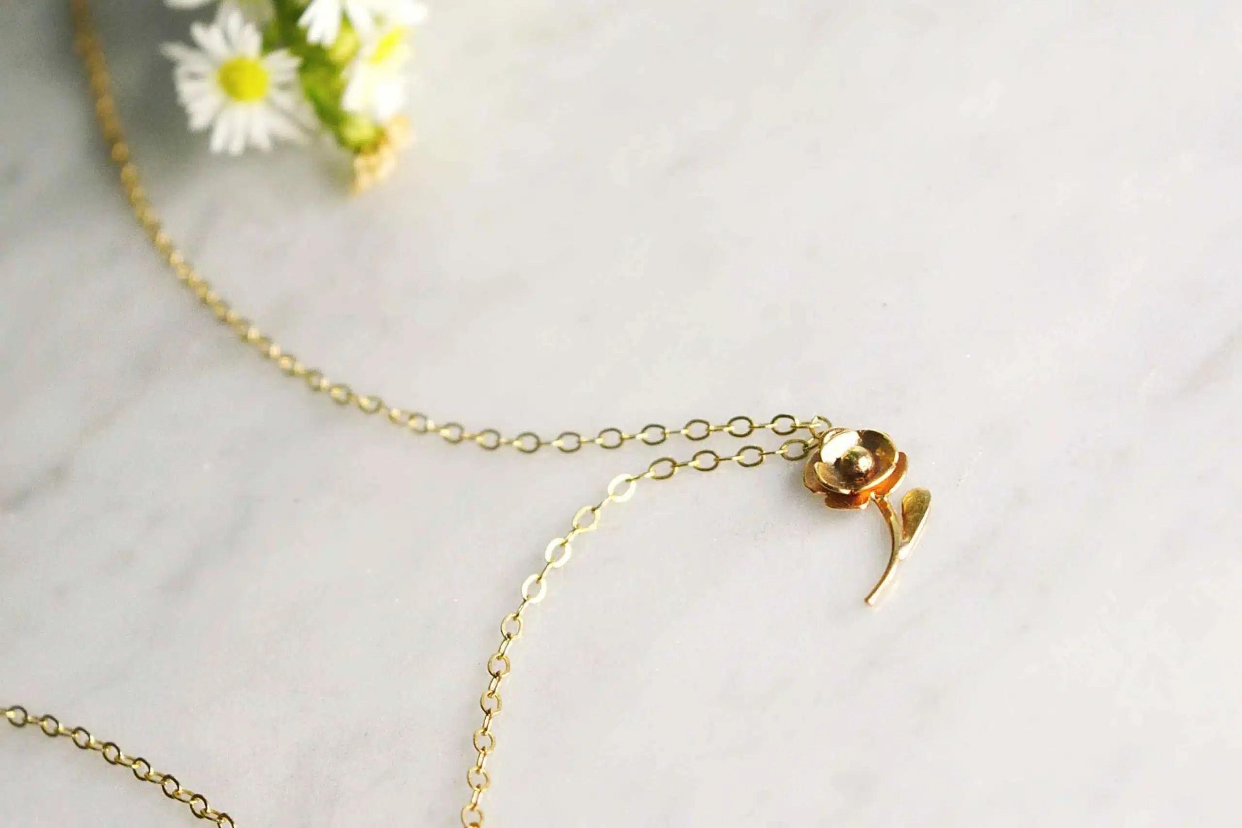 solid gold flower pendant