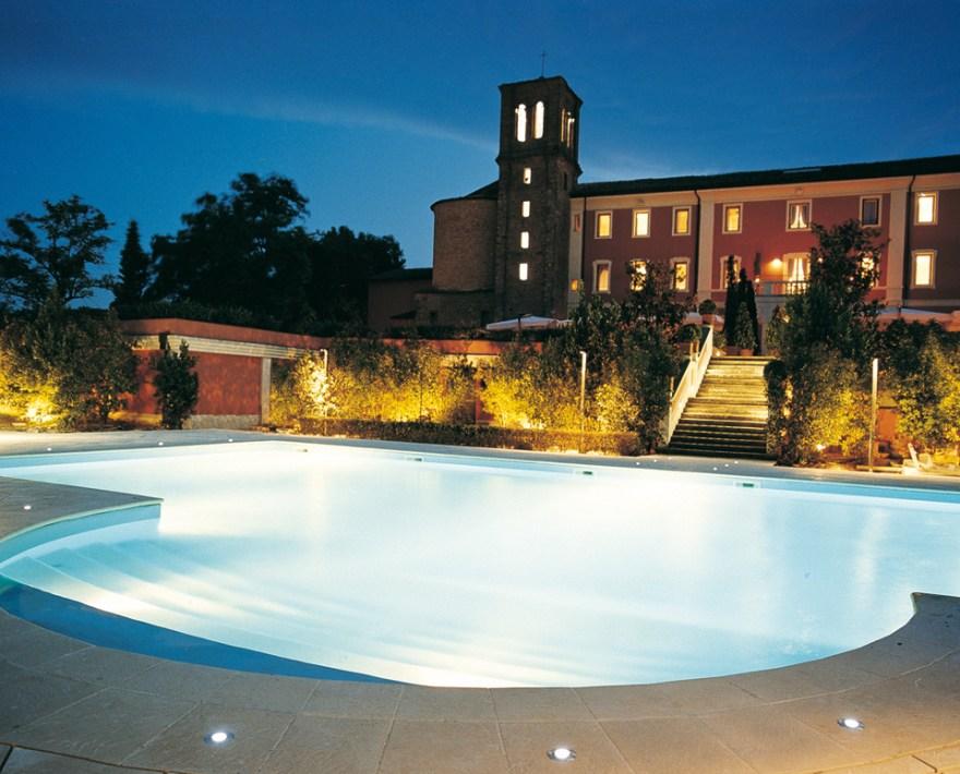 Monte-del-Re_building01