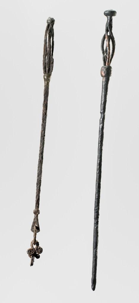 bastoni usati dalle maghe vichinghe. Da Gavle, Svezia (a sinistra) e Fuldby, Zelanda, Danimarca (a destra). (Foto: © Nationalmuseet, Danimarca)