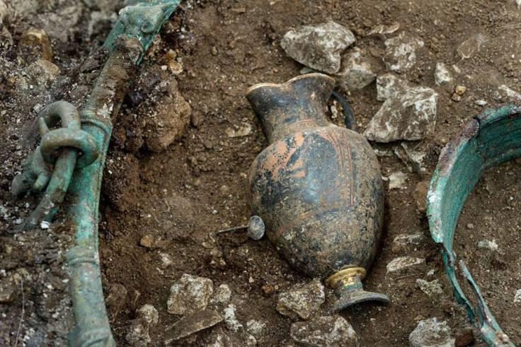 iron-age-cauldron-france