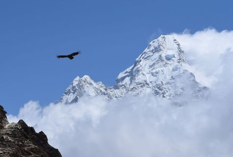 TOPSHOT-NEPAL-EVEREST