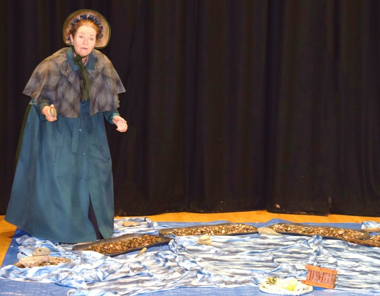 Mary Anning appears