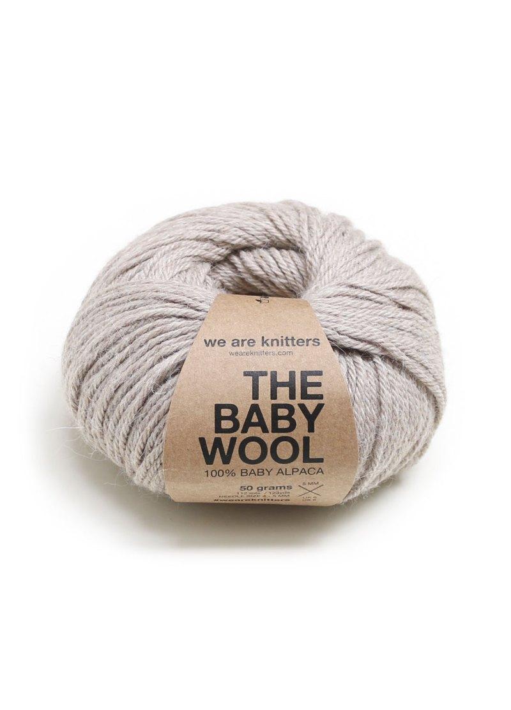 baby-alapca-yarn-balls-knitting-beige
