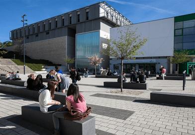 Todo-sobre-la-beca-Victor-Hugo-de-la-Université-de-Franche-Comté ©Ludovic Go - Wikipédia