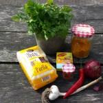 Ingrediënten voor paella op de skottelbraai.