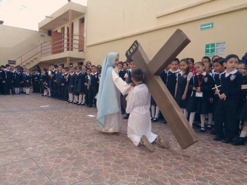 Viacrucis Primaria del Colegio Isabel la Católica
