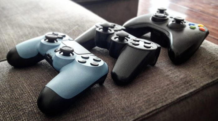 Playstation4, Playstation 3 and Xbox 360 controllers