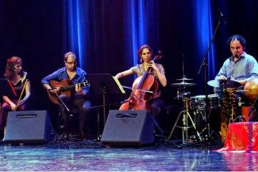 Solo de percussion, La Poésia. Ingried Boussaroque, Moi, Gael Huard et Éric Breton. (Hervé Leblay)
