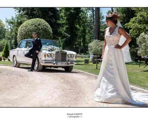 Photo mariage extérieur et voiture
