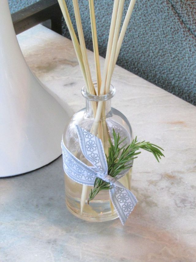 diy-essential-oil-reed-diffuser-table