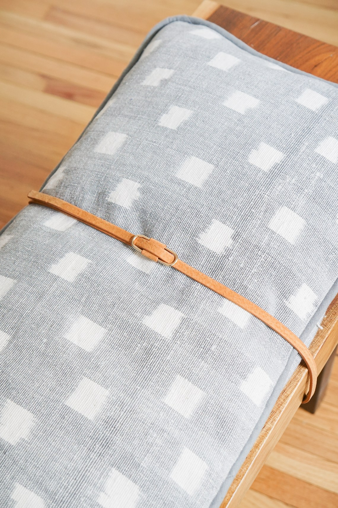Diy Modern Bench Cushion With Leather Straps Francois Et Moi