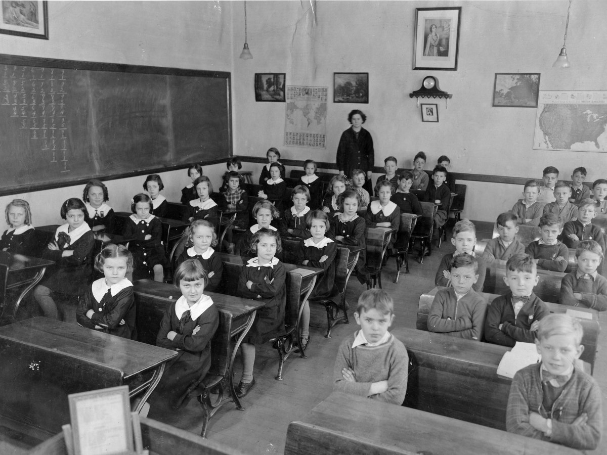 Black and white photo of Franco-American school children in the 1930s