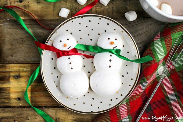 Vegan Hugg's Snowmen Meringue Cookies
