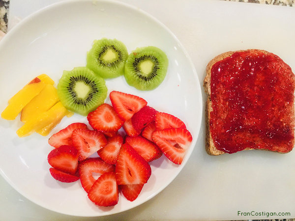 Bread with Fruit for a Strawberry Cream Sando