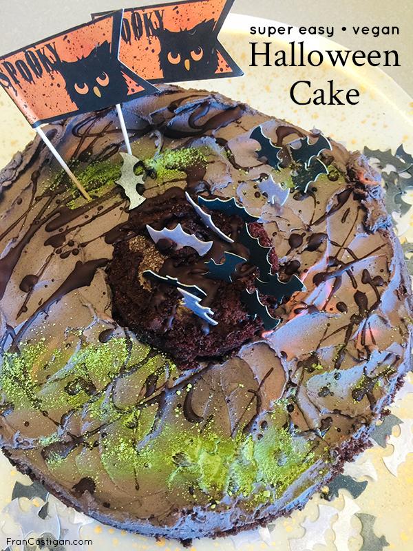 Super Easy Vegan Halloween Cake #vegan #vegancake #halloween #VeganHalloween #VeganCake