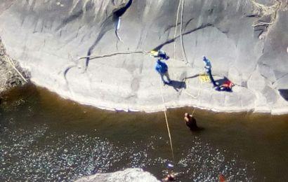 Mueren ahogados en una poza de 10 metros de profundidad