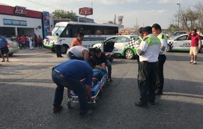 De un Cerrón Derriban a Motociclista y Resulta Lesionado