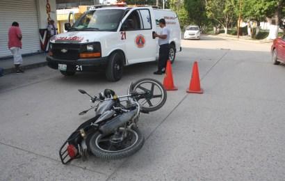 Automovilista se Pasa Alto y Lesiona a Pareja