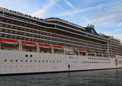 Port sans Gênes - Navire