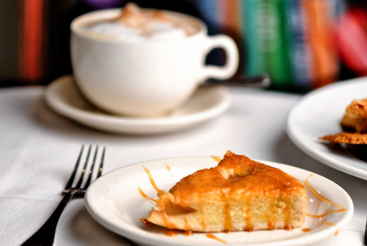 Pear almond torte with a cappuccino