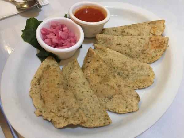 Empanadas de queso de bola en Merida Yucatán