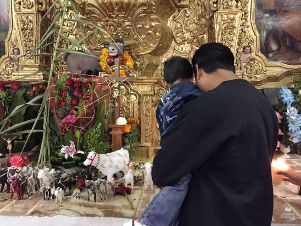Altar del templo de San Lucas Tlanichico Oaxaca