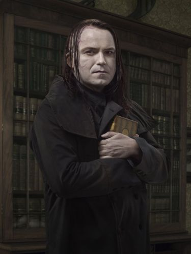 Rory Kinnear as Frankenstein's creature in Penny Dreadful.