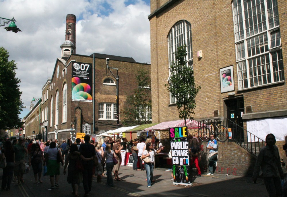 The Stoner's Guide to Brick Lane  (1/5)