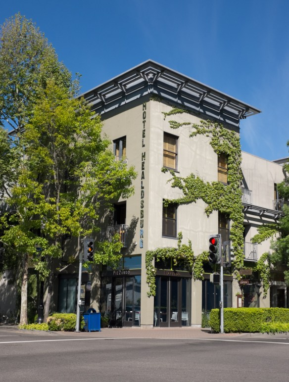 The chic and comfortable Hotel Healdsburg was designed to fit into the Town Square area.