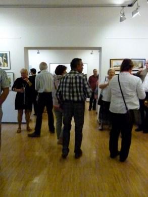 Malschüler und Gäste in der Ausstellung Faszination Aquarell (c) FRank Koebsch (2)
