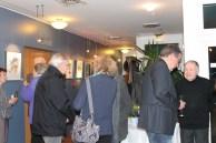 Hanka und Frank Koebsch im Gespräch mit den Besuchern der Ausstellung in Grall Müritz (c) Andrea Conteduca