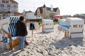 Freies Malen am Strand von Kühlungsborn im Rahmen des Plein Air Festivals (c) FRank Koebach (8)