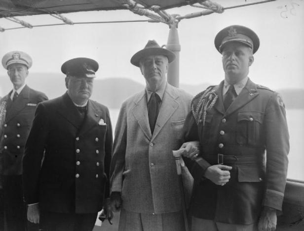 Atlantic_Conference_Between_Prime_Minister_Winston_Churchill_and_President_Franklin_D_Roosevelt_10_August_1941_A4821.jpg