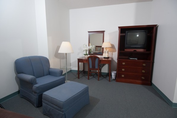 guest room 5-chair