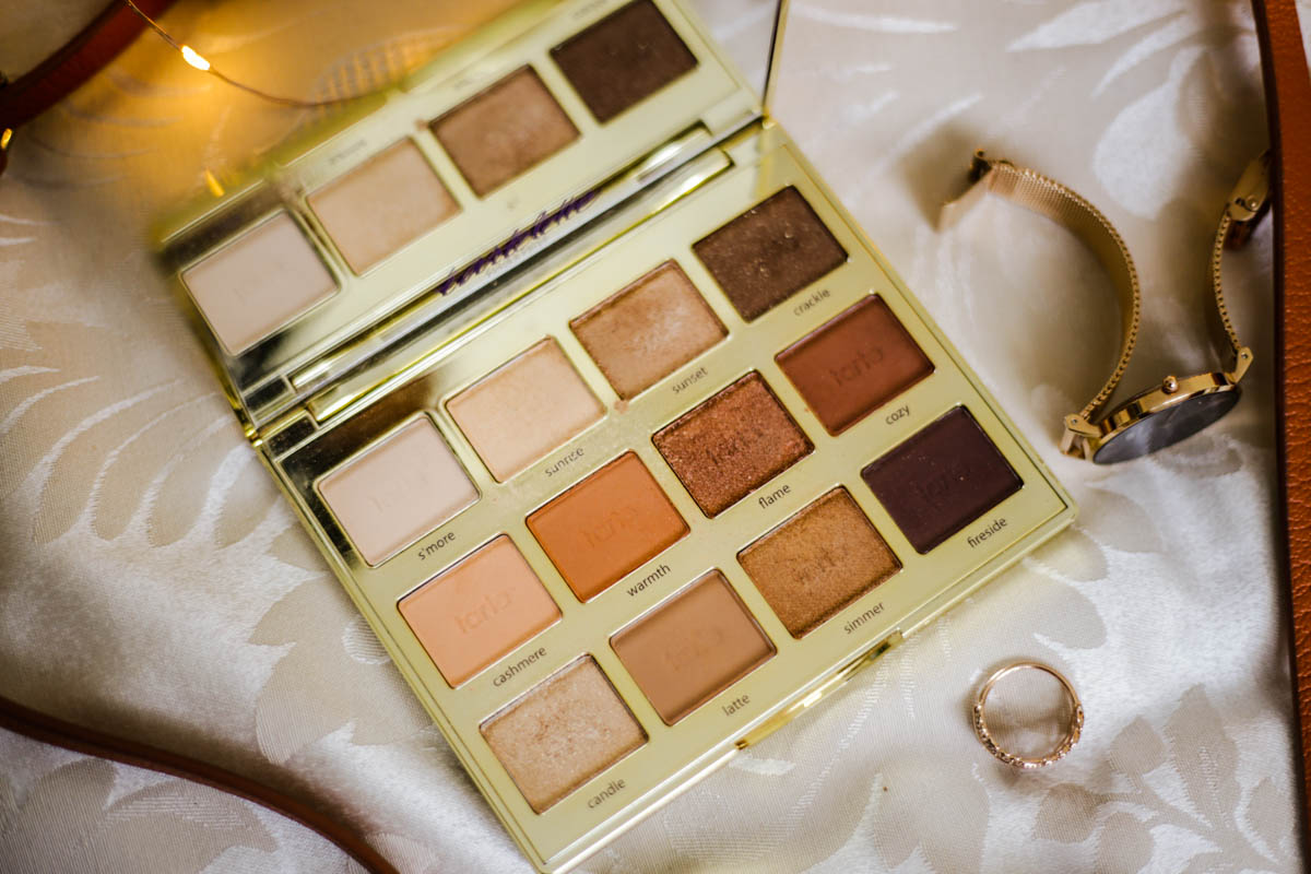 The-warm-toned-eyeshadows-and-palettes-to-add-to-your-winter-makeup-bag-feat-Tartelette-Toasted-Palette-by-Tarte-close-up