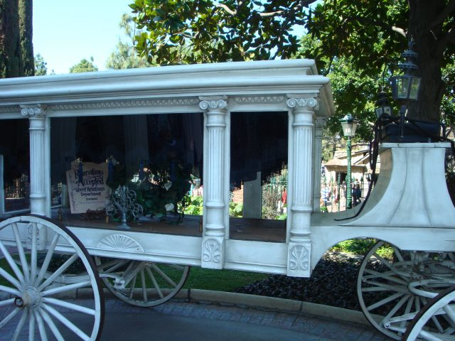 Frankly, My Dear . . . : Ghost Carriage at Disneyland's Haunted Mansion