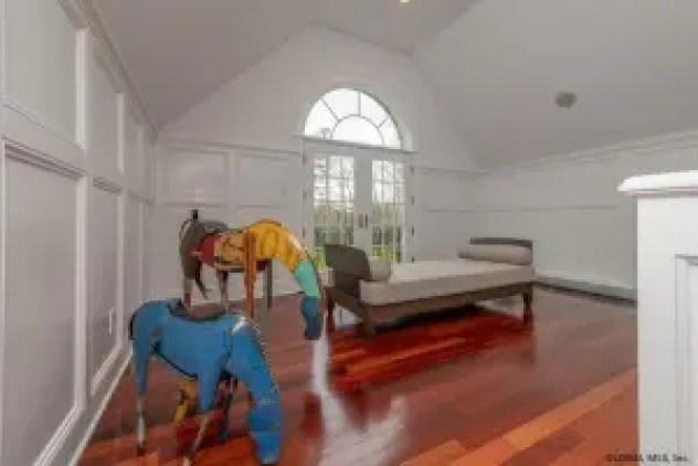 Sara Bronfman house horse sculptures