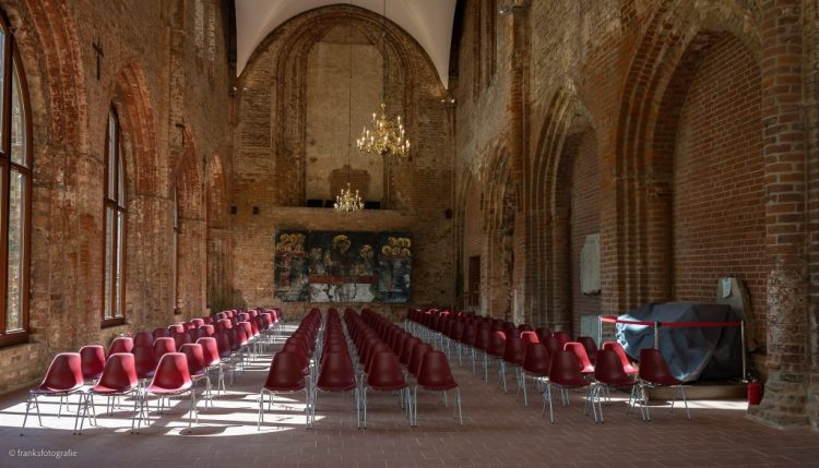 Schloss Dargun erkunden - Klosterkirche