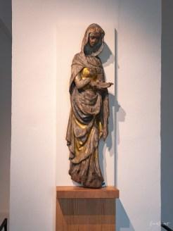Holzplastik der Heiligen Elisabeth von Thüringen
