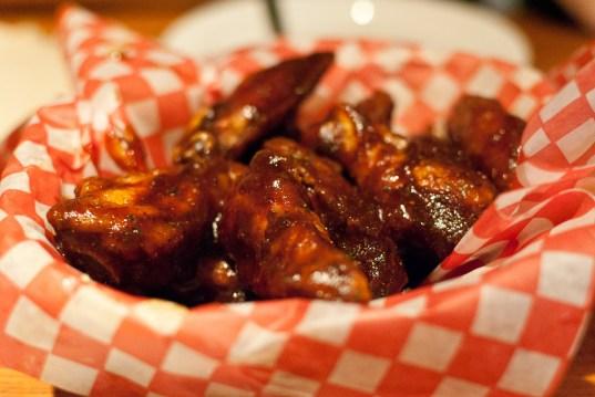 Chicken Wings mit BBQ Sauce