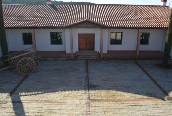 Revestimiento de piedra en casa de Cáceres