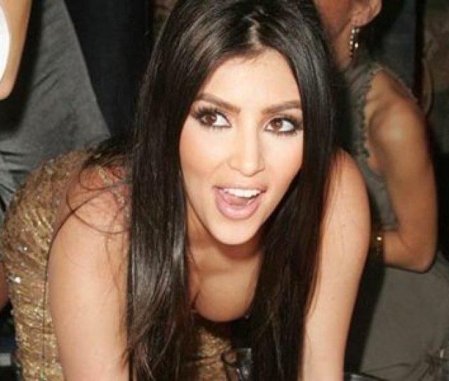 Rekaman Video Paling Terkenal Adalah Milik Kim Kardashian Yang Di Rekam Di Kamar Hotel Bersama Pacarnya Penyanyi Rnb Ray J Rekaman Tersebut Bocor Ke