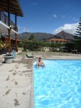 tour hosteria las lagunas piscina uno franz merino