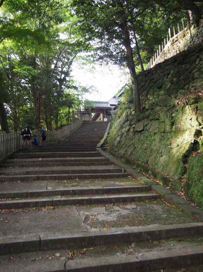 八幡神社・階段